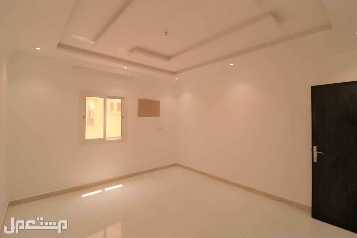 شقه للبيع 3 غرف بمنافعها ب 240 الف ريال
