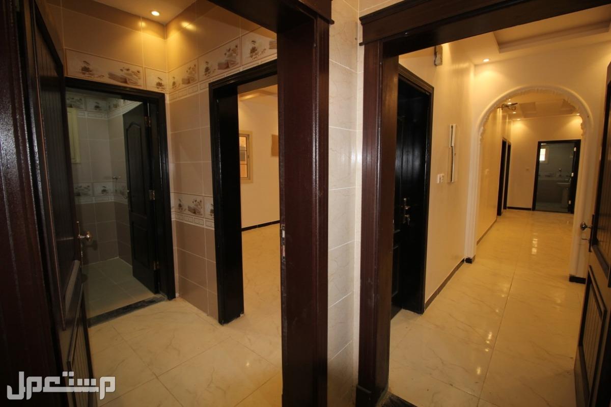 للبيع ملحق فاخرمن المالك مباشرة (5غرف +4حمامات+صالة +مطبخ)