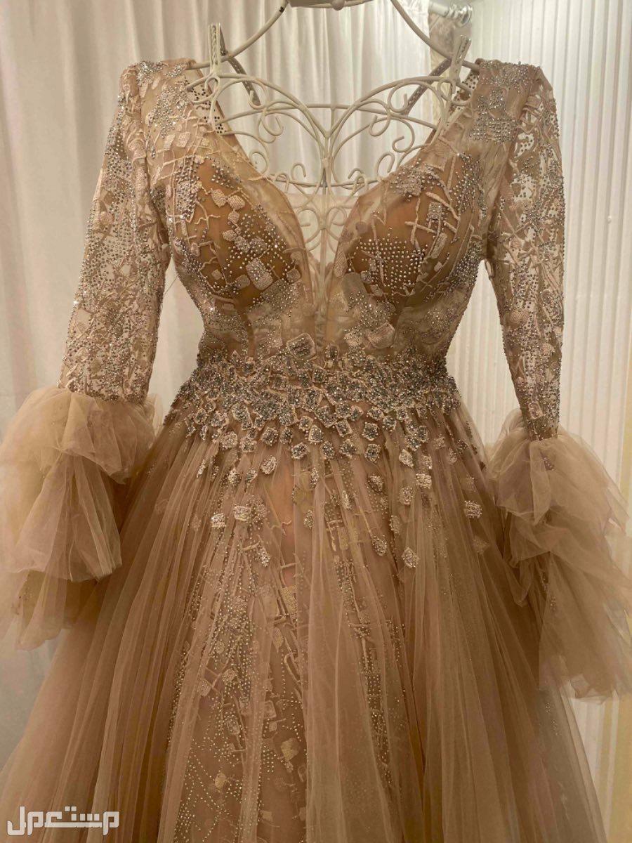 فستان شبكات وسهرات فخم جداً