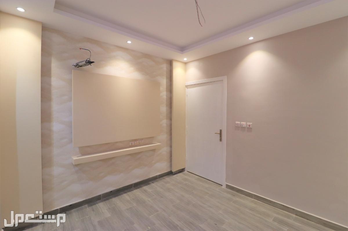 تملك شقة 3 غرف كبيرة وامامية من المالك مباشرة
