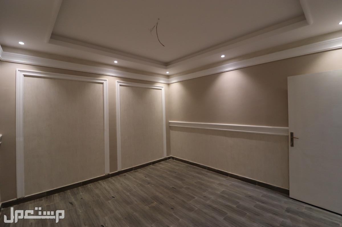 شقه للبيع 3غرف بمنافعها ب 240 الف ريال فقط