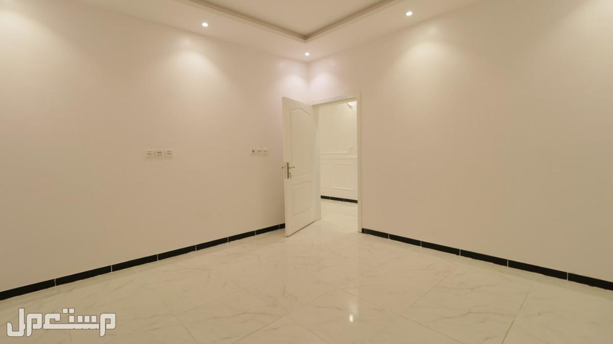 عرض خاص لي وقت محدود شقه 5غرف اماميه مدخلين بمنافعها بي 360الف فقط