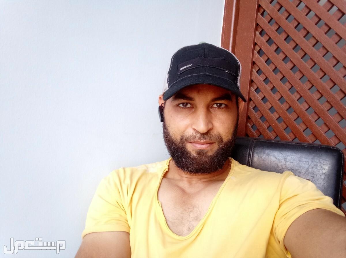 سائق مصرى 37عام محمد البوب
