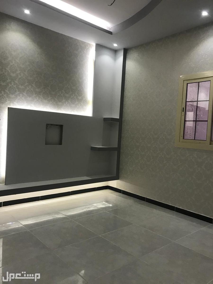 شقه 3غرف للبيع بمنافعها ب 240 الف ريال بدون عموله