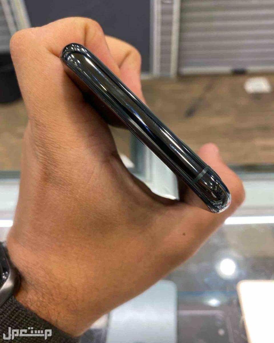 للبيع ايفون 11 برو 256 زيتي مستخدم