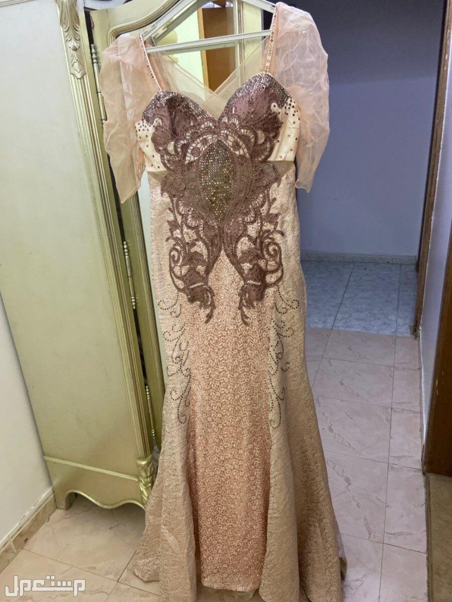 فستان افراح من الامام