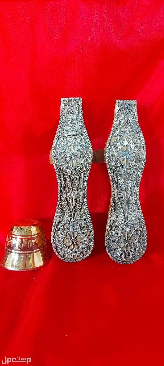 تحفة تراثية القبقاب التركي شغل خشب مع اسلاك نحاس مطلي فضة