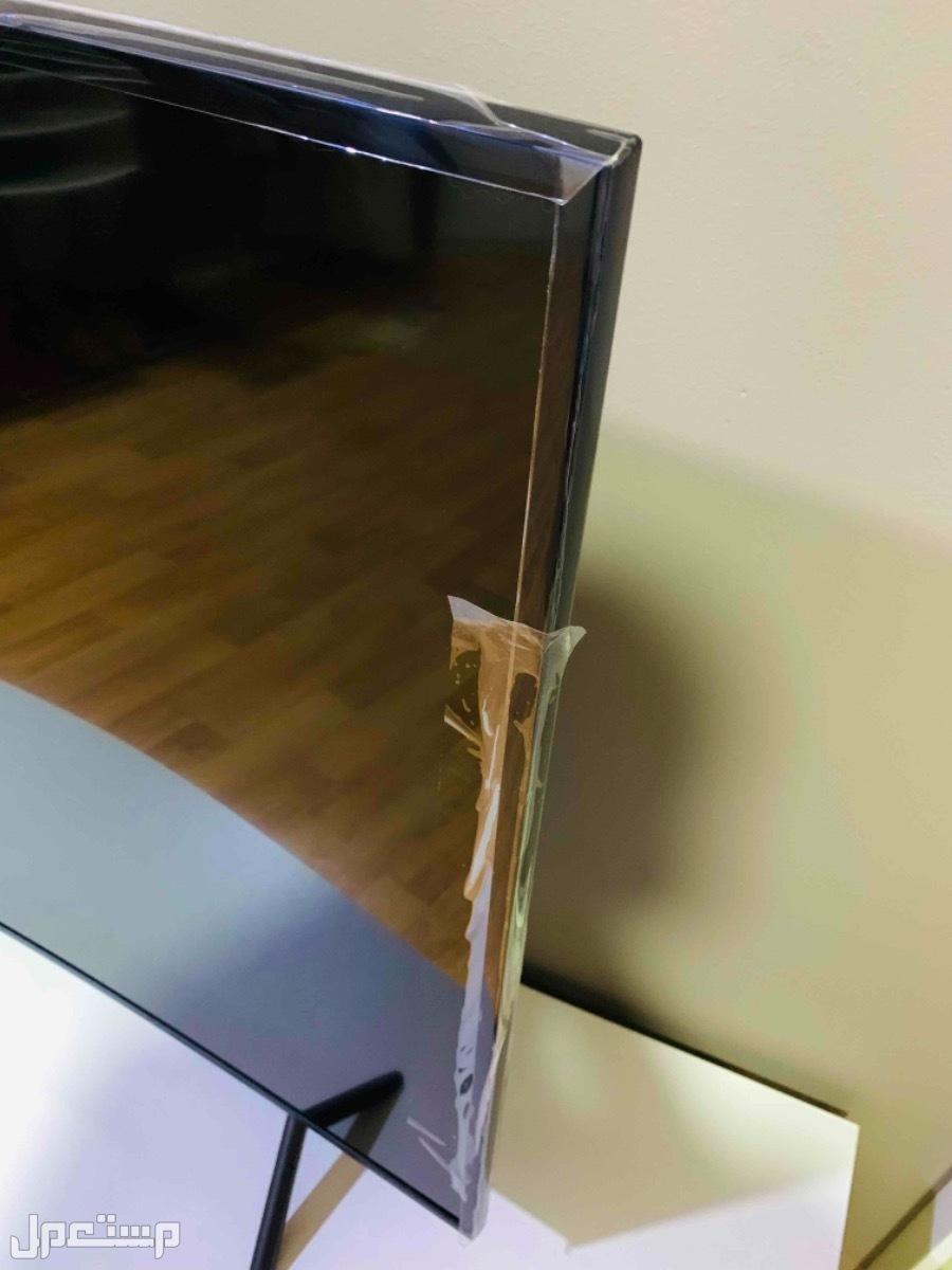 للبيع شاشة سامسونج 55 بوصة منحنية سمارت واي فاي (UHD)4k