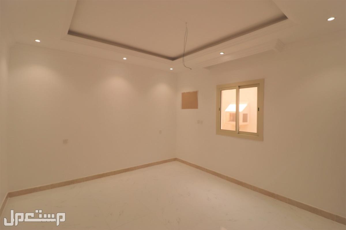 مساحة 122 متر 4 غرف افراغ فوري