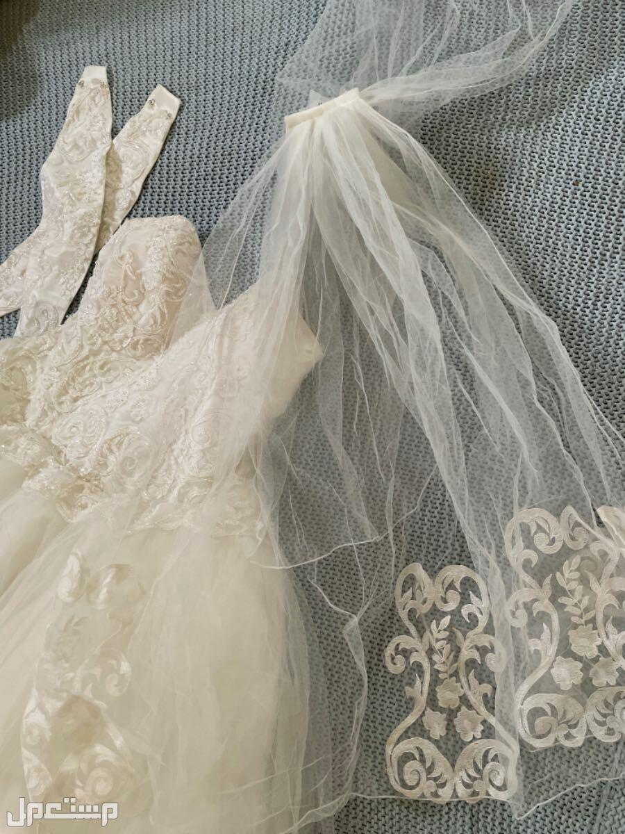 فستان زفاف الشرعه فرنسيه من ورى الى نص الهر ومن قدام الى فوق الصدر