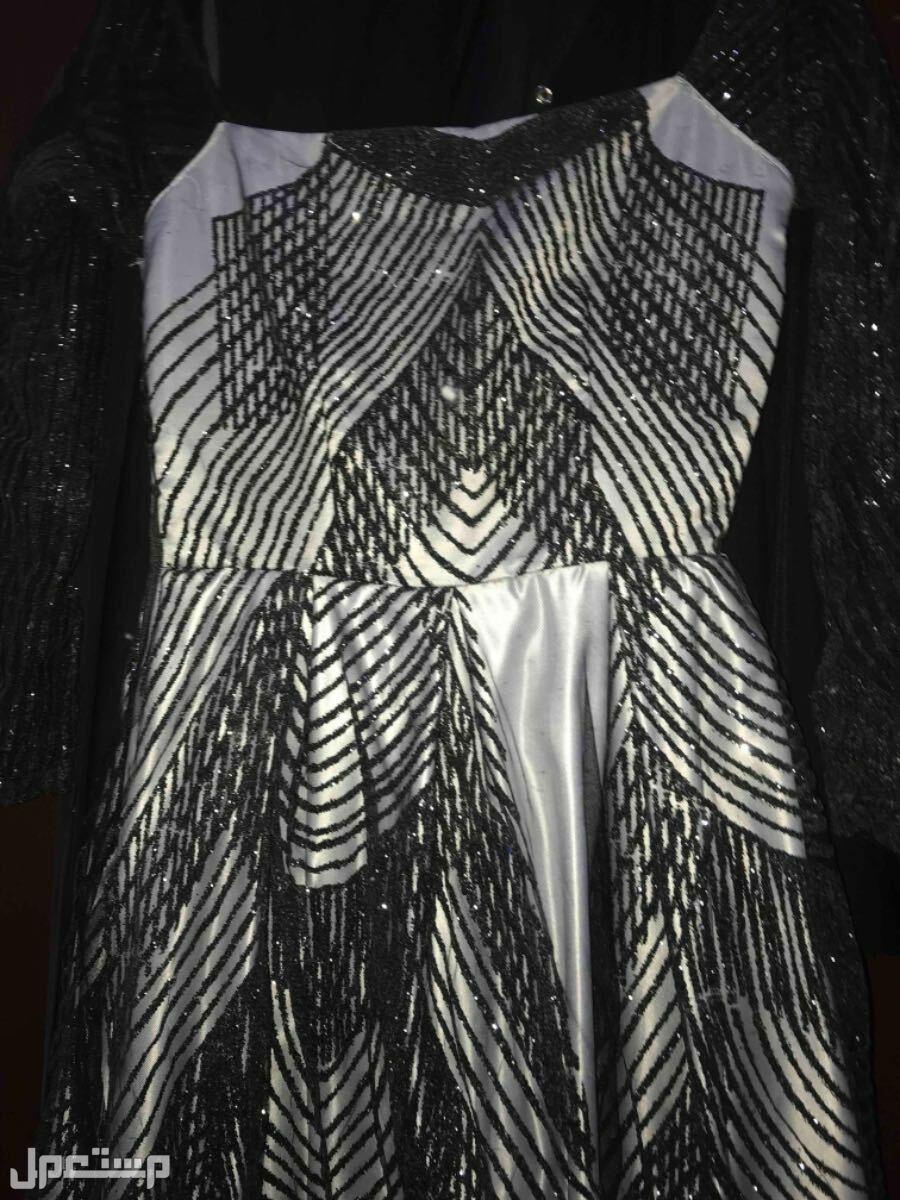 فستان للبيع فستان من الامام