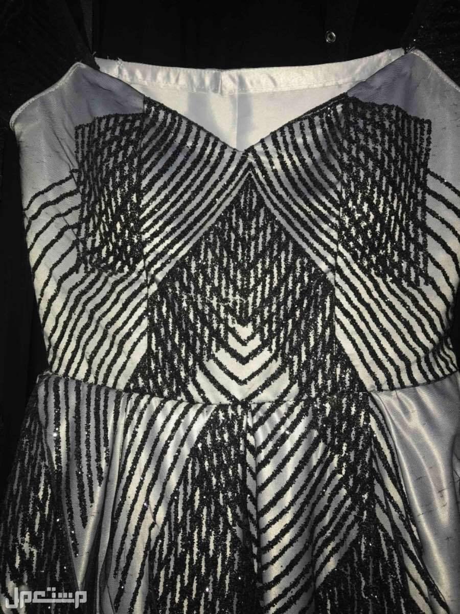 فستان للبيع قصت الصدر