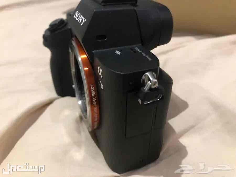 كاميرا Sony A7ii مع كامل اغراضها وملحقاتها وعدسه سوني