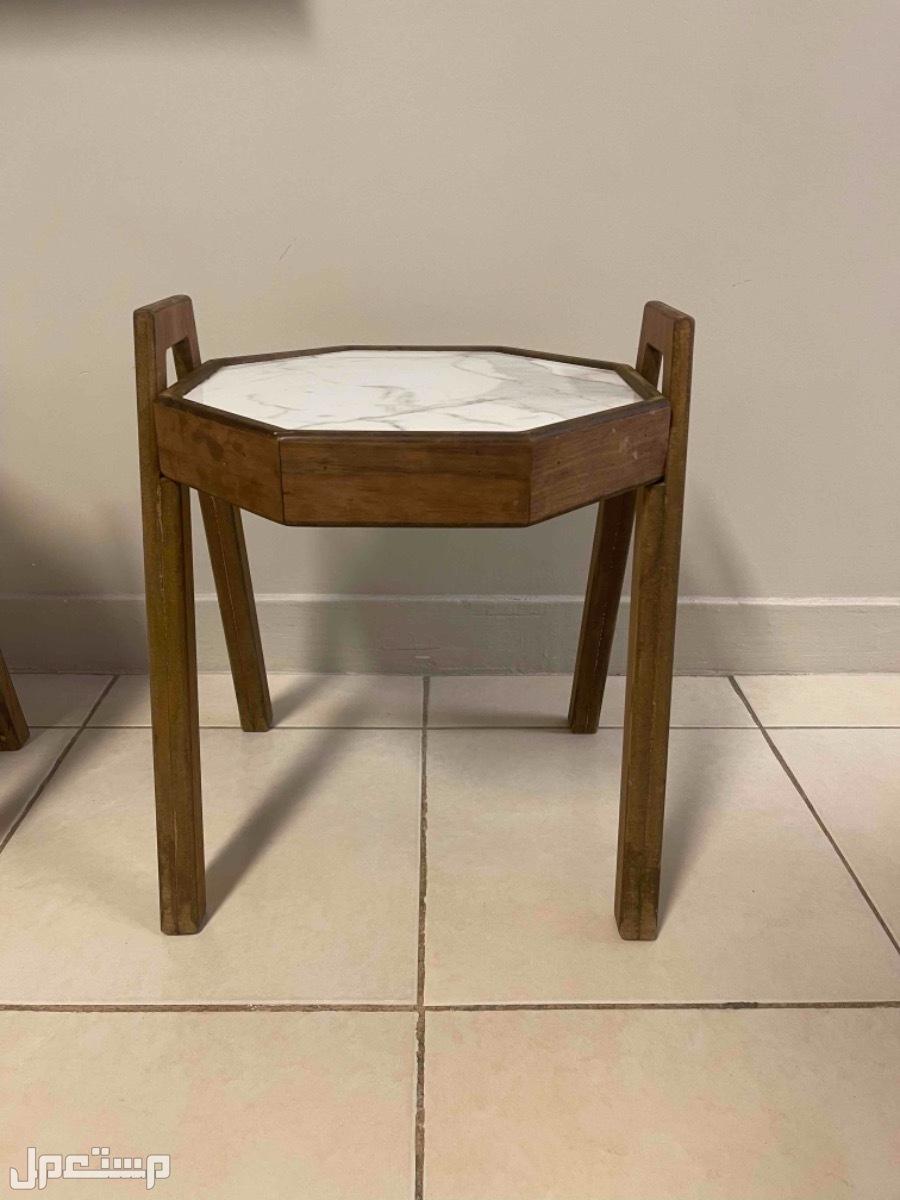 طاولات جانبية