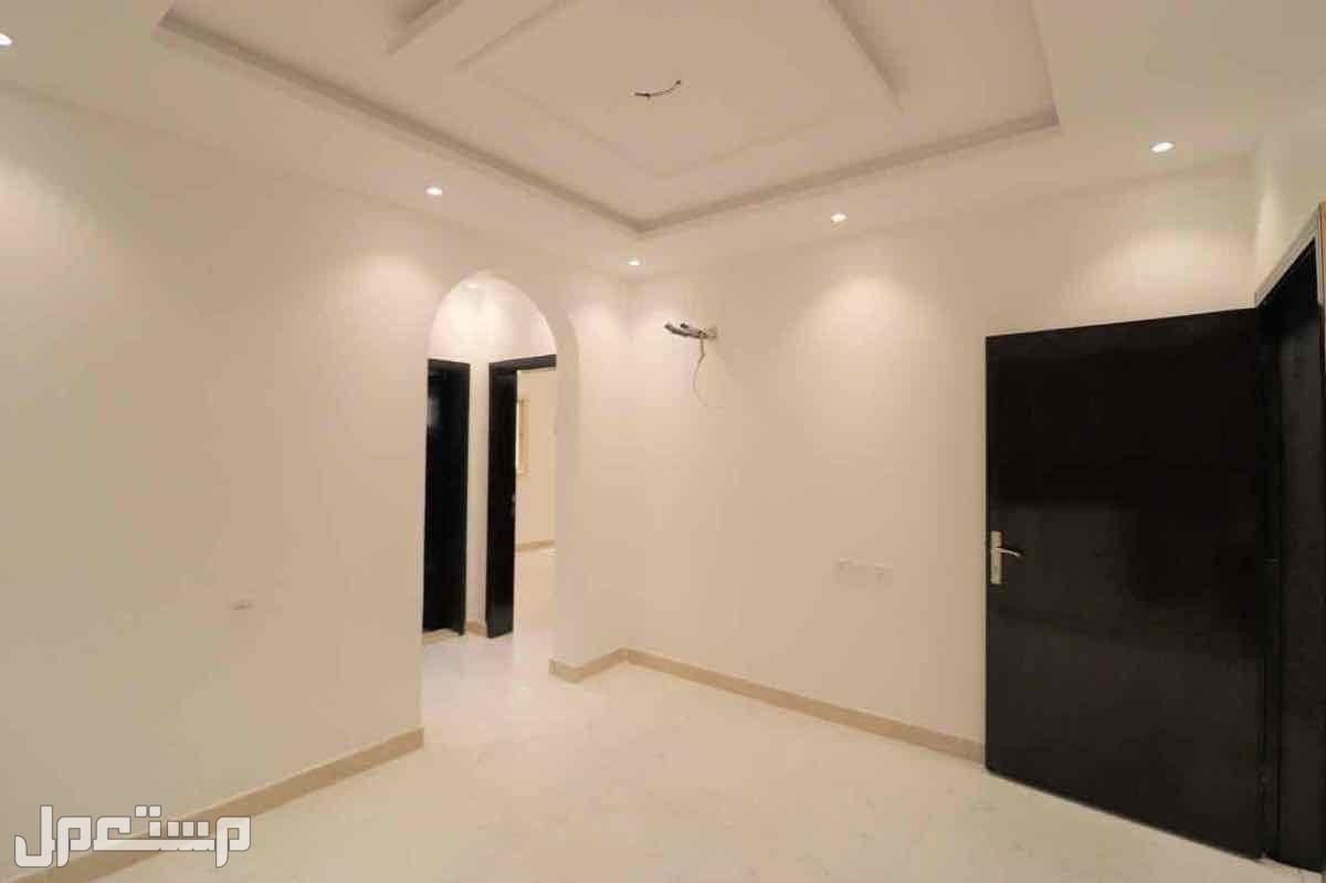 للتمليك شقة جاهزة للسكن ب 390 الف فقط افراغ فوري..