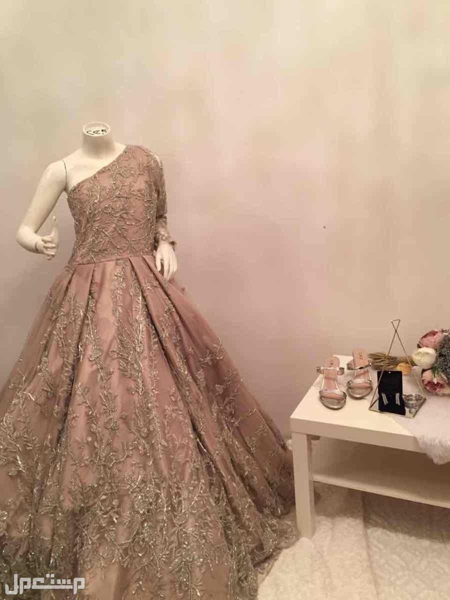 الايجار فستان ملكه او طله عروس