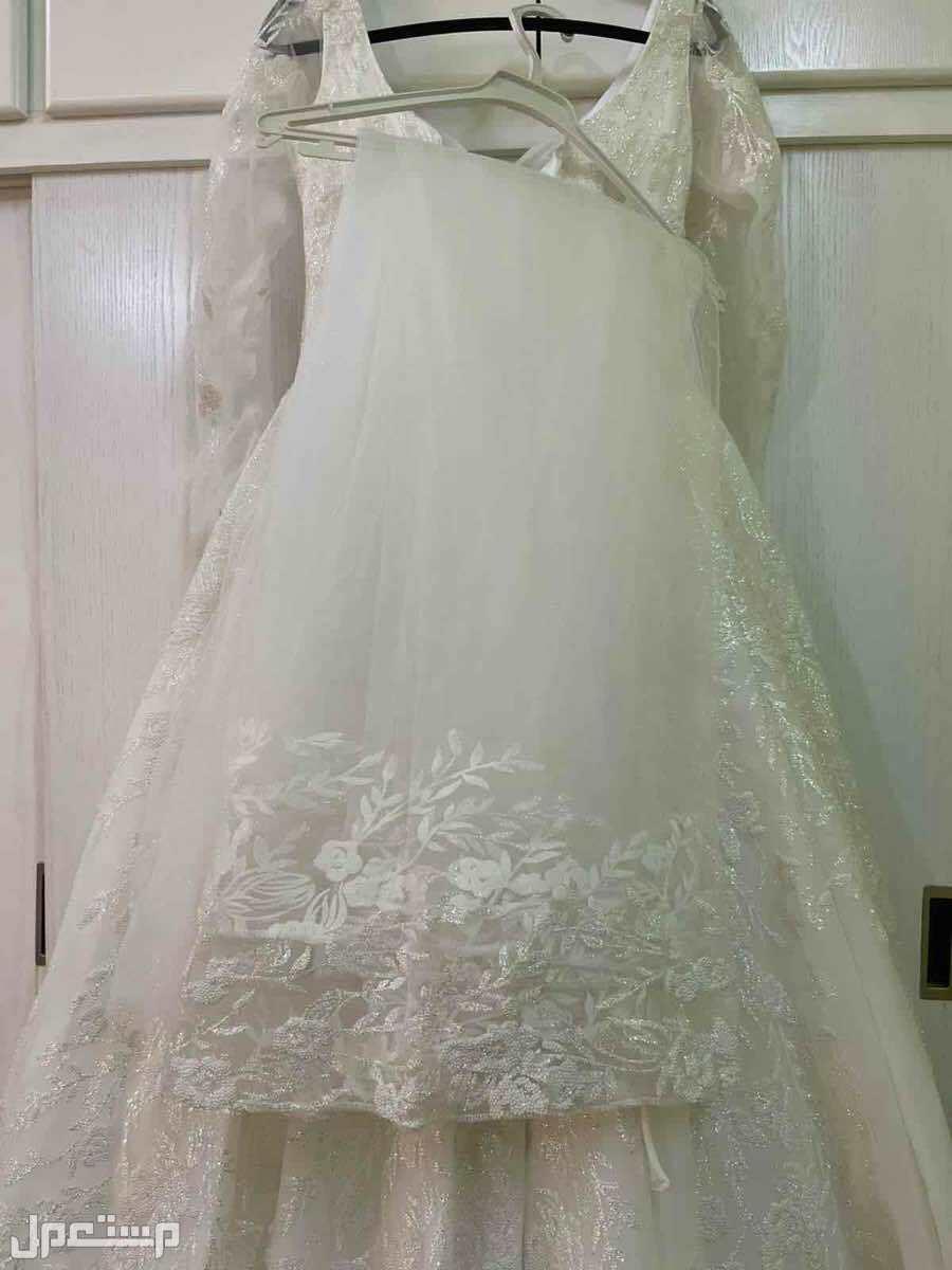 فستان زفاف فخم + طرحة