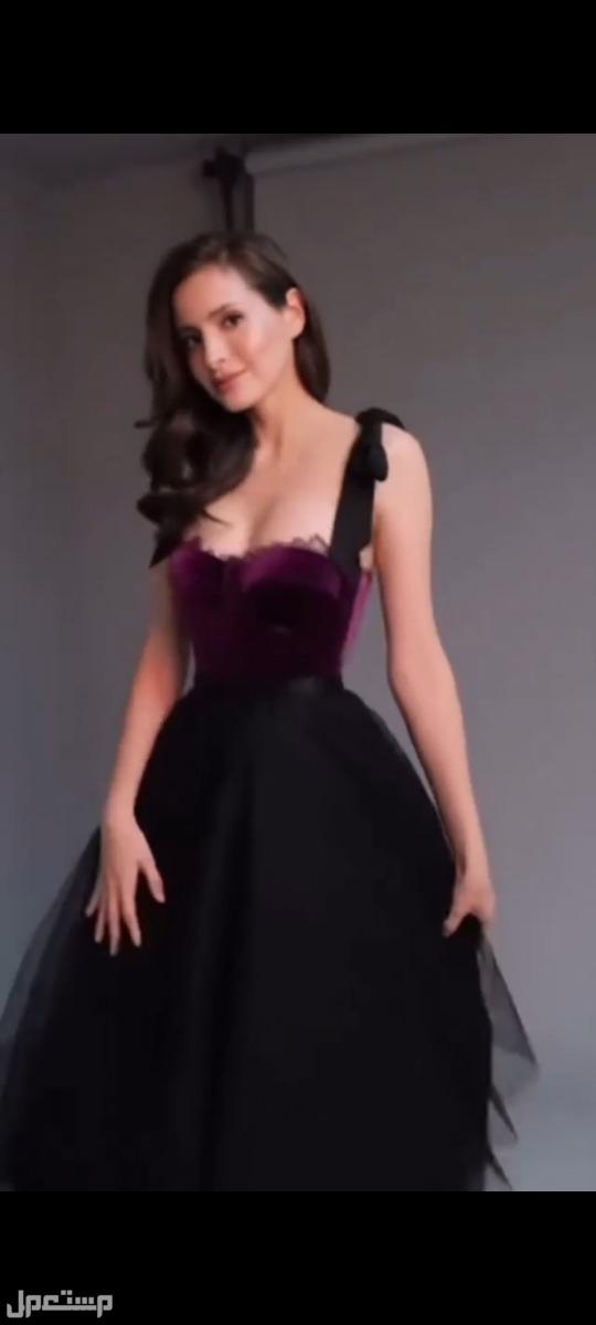 لملكات المملكة نقدم لكم من اررررروع الفساتين الراقية والمميزه