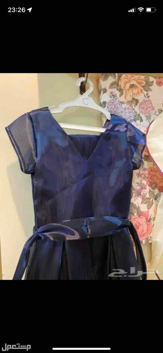 فستان كحلي للسهرات