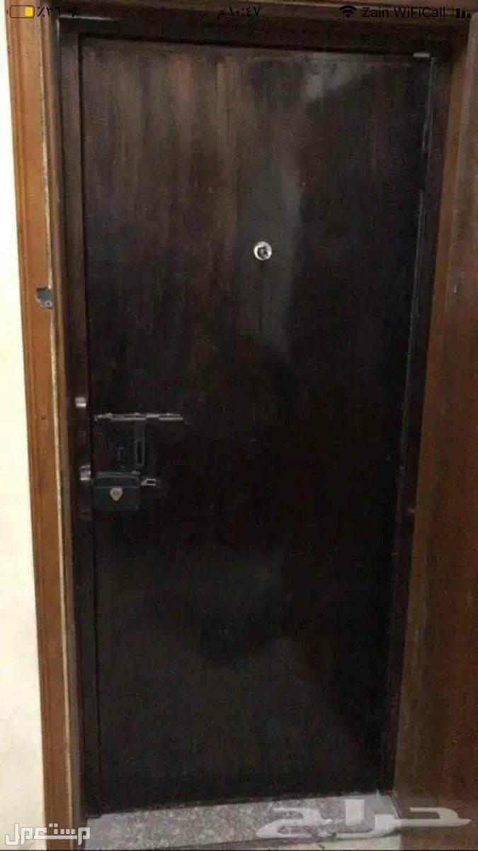 باب حديد للبيع مع الحلق